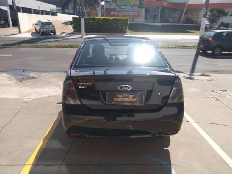 FORD Fiesta Sedan 1.0 4P, Foto 9