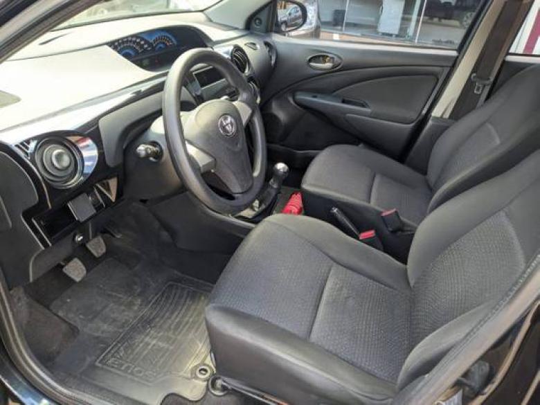 TOYOTA Etios Sedan 1.3 16V 4P FLEX X, Foto 9