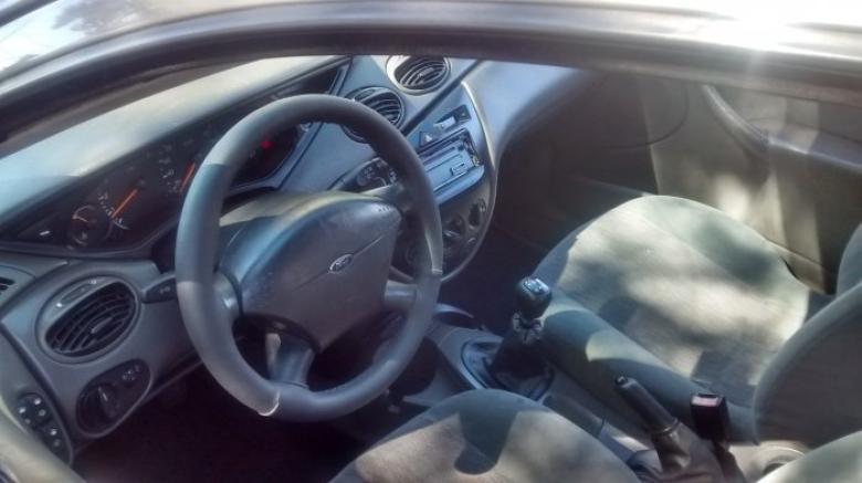 FORD Focus Sedan 2.0 16V 4P GHIA, Foto 2