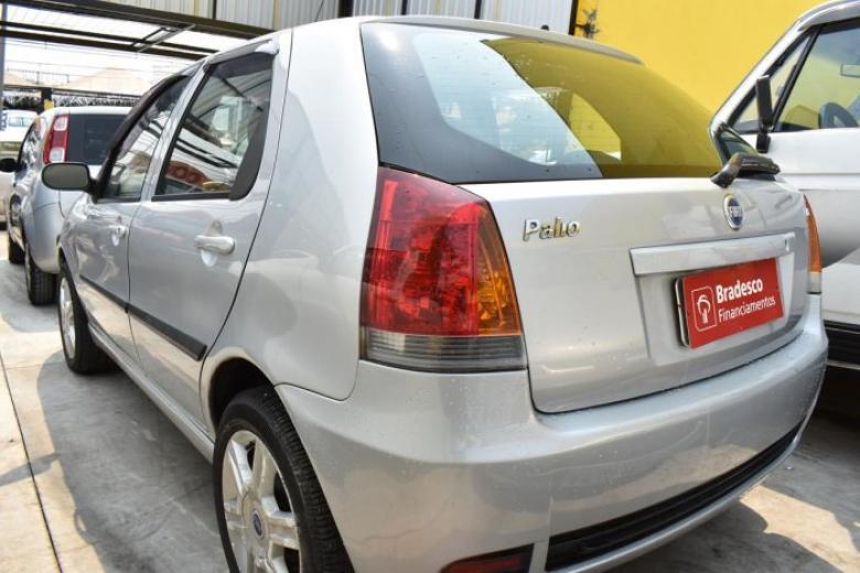 FIAT Palio 1.8 4P HLX, Foto 2