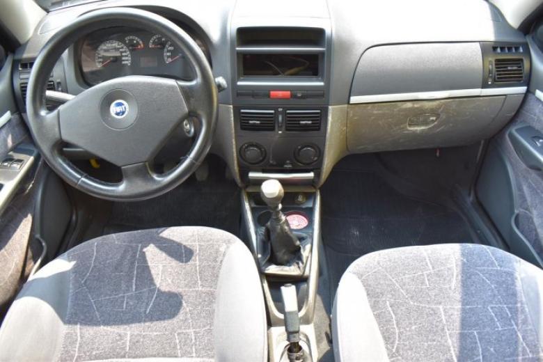FIAT Palio 1.8 4P HLX, Foto 3