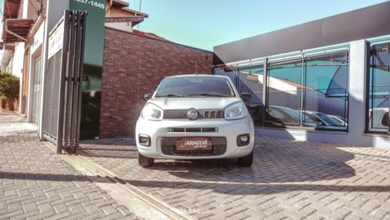 FIAT Uno 1.0 4P FLEX DRIVE, Foto 2