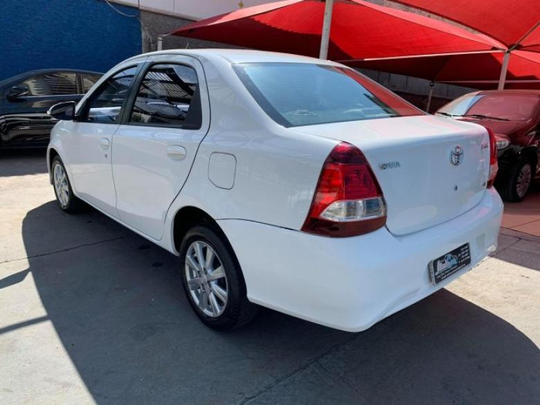 TOYOTA Etios Sedan 1.3 16V 4P FLEX X, Foto 4