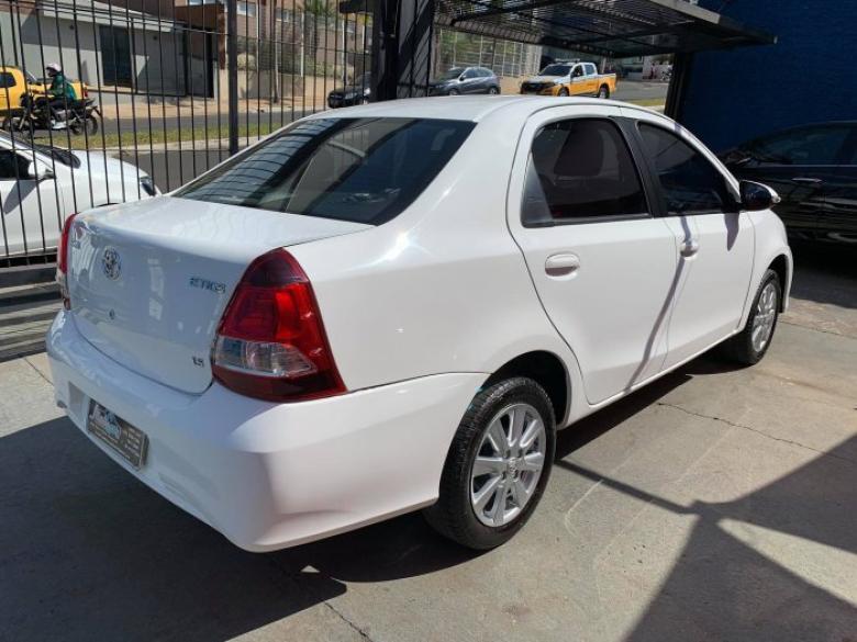 TOYOTA Etios Sedan 1.3 16V 4P FLEX X, Foto 6