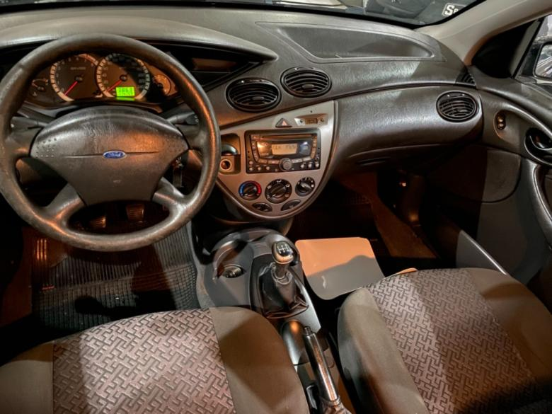 FORD Focus Hatch 1.6 4P GL, Foto 7