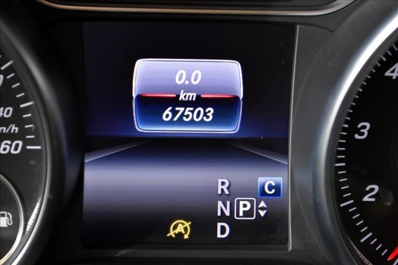 MERCEDES-BENZ CLA 180 1.6 16V 4P CGI TURBO 7G-TRONIC DCT AUTOMÁTICO, Foto 14