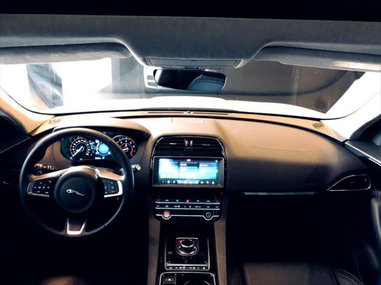 JAGUAR F-Pace 2.0 16V 4P AWD INGENIUM PURE TURBO AUTOMÁTICO, Foto 10