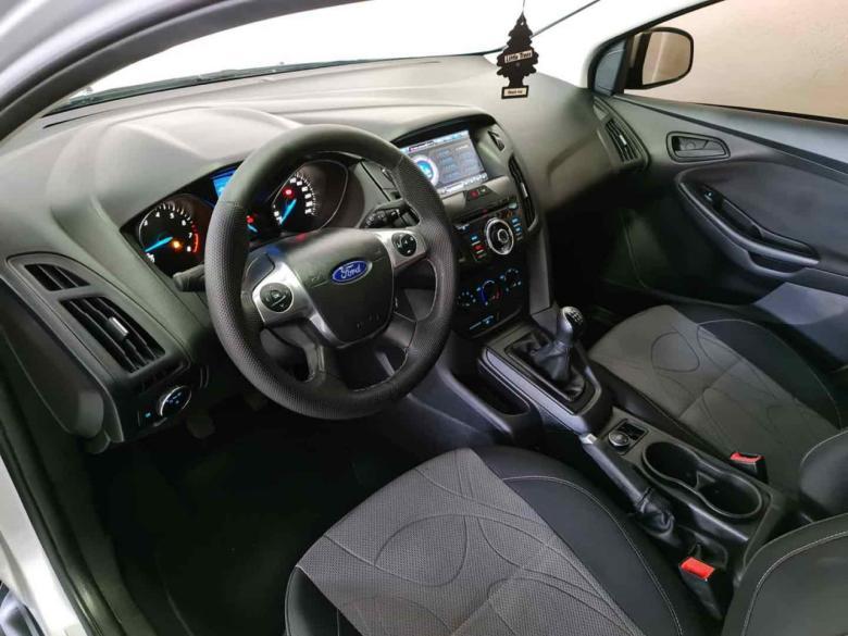 FORD Focus Hatch 1.6 16V 4P FLEX S, Foto 5