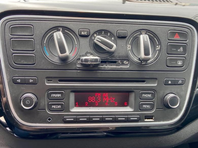 VOLKSWAGEN UP 1.0 12V 4P FLEX HIGH I-MOTION AUTOMATIZADO, Foto 15