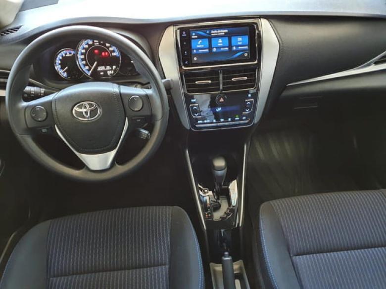 TOYOTA Yaris Sedan 1.5 16V 4P FLEX XL PLUS TECH MULTIDRIVE AUTOMÁTICO CVT, Foto 3