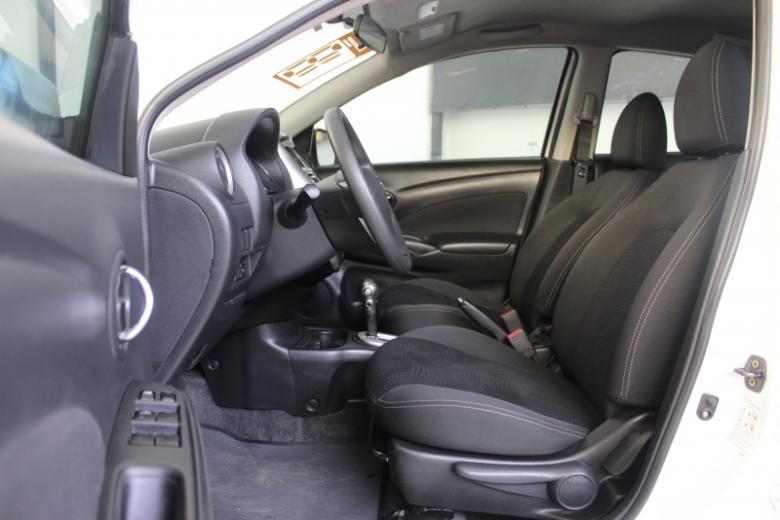NISSAN Versa Sedan , Foto 3