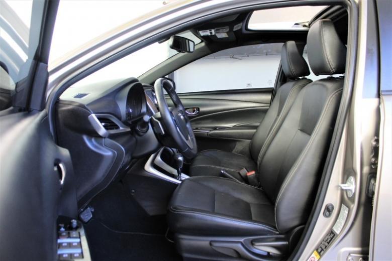 TOYOTA Yaris Hatch 1.5 16V 4P FLEX XLS CONNECT MULTIDRIVE AUTOMÁTICO CVT, Foto 3