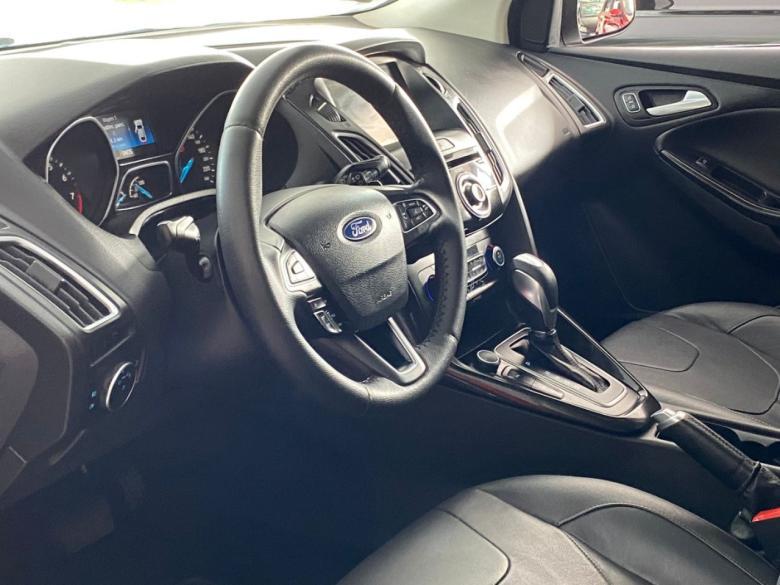FORD Focus Hatch 2.0 16V 4P TITANIUM PLUS FLEX, Foto 5