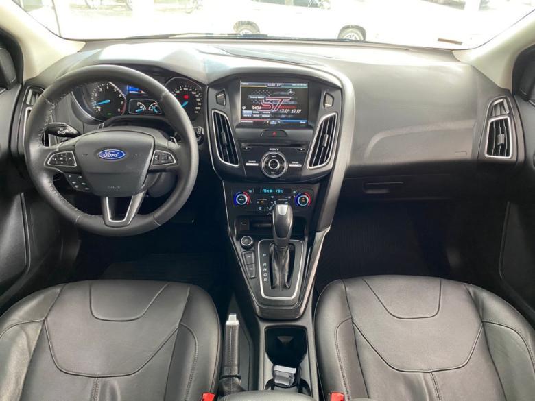 FORD Focus Hatch 2.0 16V 4P TITANIUM PLUS FLEX, Foto 2