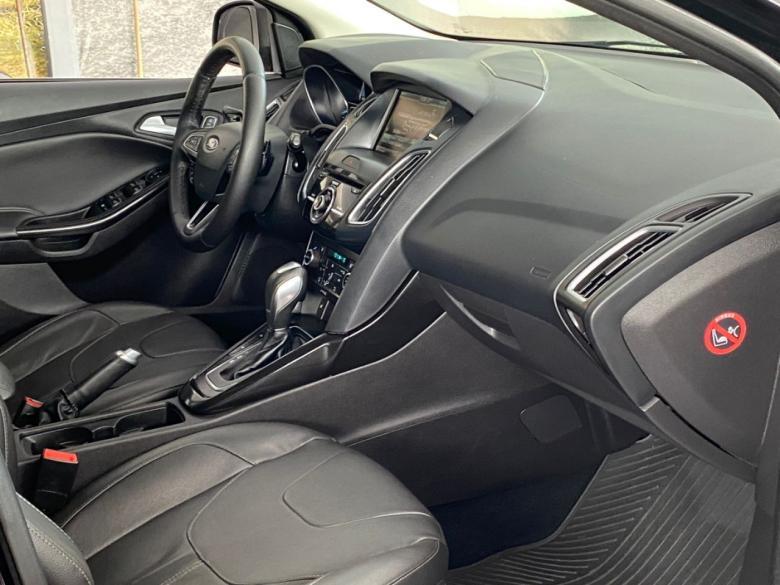 FORD Focus Hatch 2.0 16V 4P TITANIUM PLUS FLEX, Foto 14