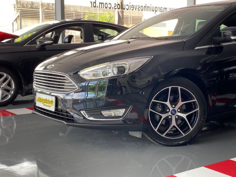 FORD Focus Hatch 2.0 16V 4P TITANIUM PLUS FLEX, Foto 6