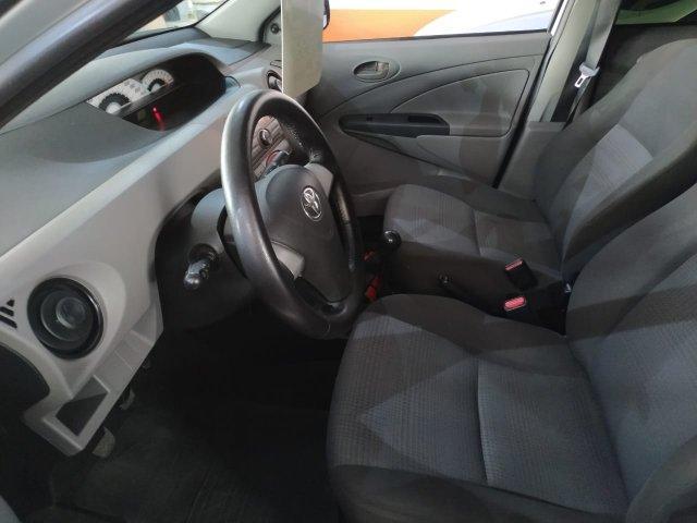 TOYOTA Etios Hatch 1.3 16V 4P FLEX XS, Foto 3