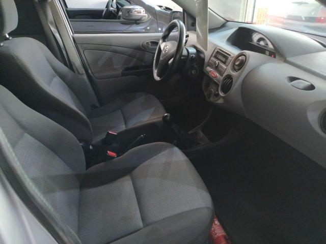 TOYOTA Etios Hatch 1.3 16V 4P FLEX XS, Foto 6