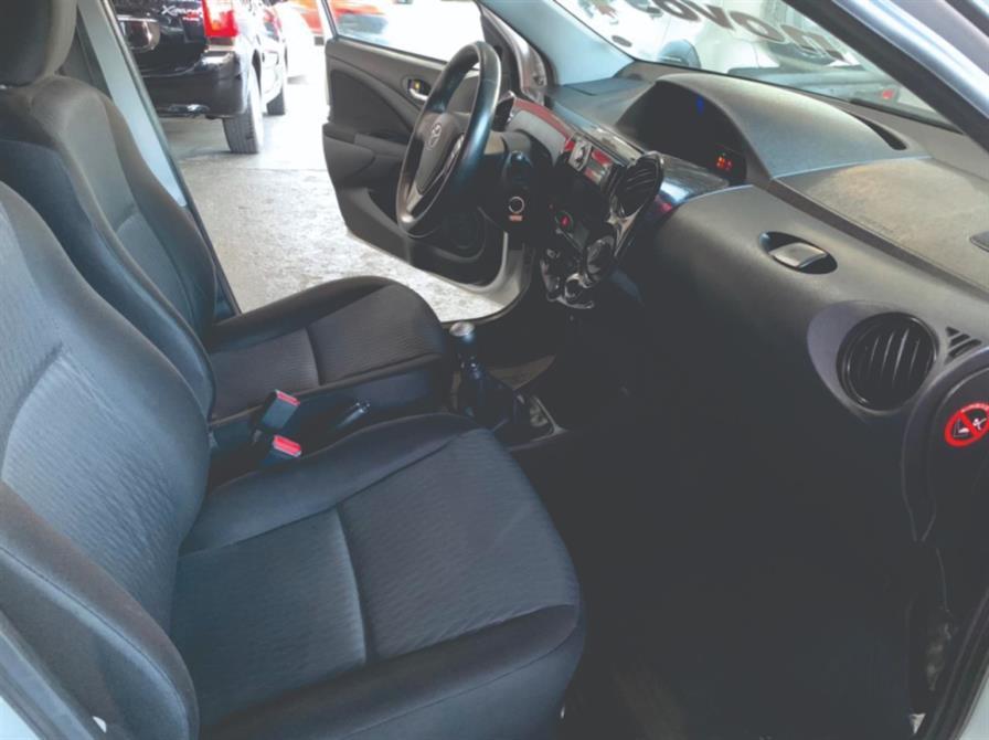 TOYOTA Etios Hatch 1.3 16V 4P FLEX X, Foto 3