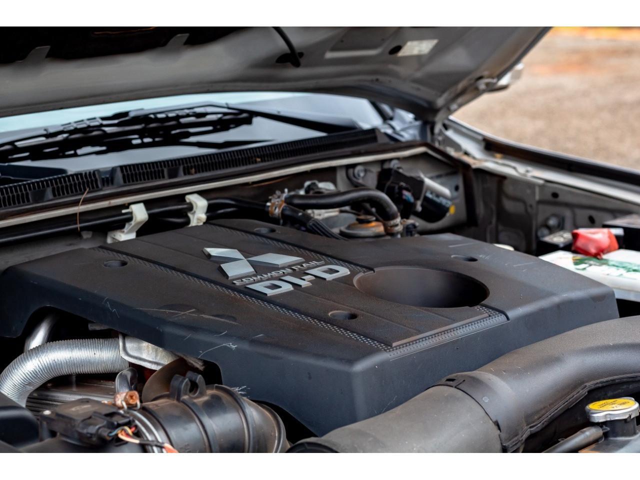MITSUBISHI Pajero Full 3.2 16V 4P HPE 4X4 TURBO DIESEL AUTOMÁTICO, Foto 8