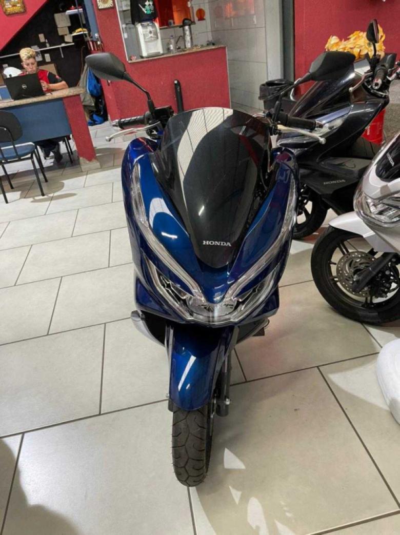 HONDA PCX 150 DLX, Foto 2