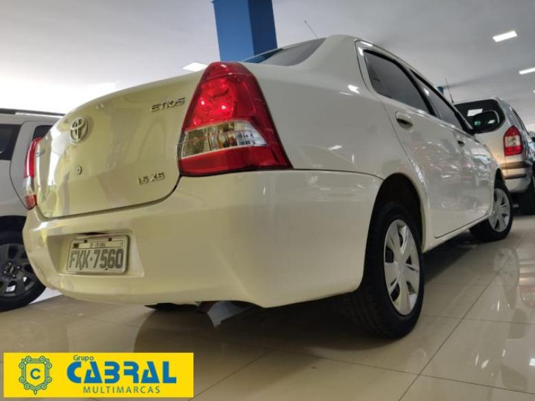TOYOTA Etios Sedan 1.5 16V 4P FLEX XS, Foto 2